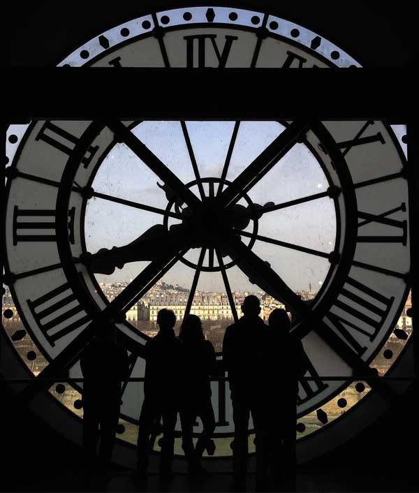 A l'intérieur de l'horloge géante du musée d'Orsay à Paris