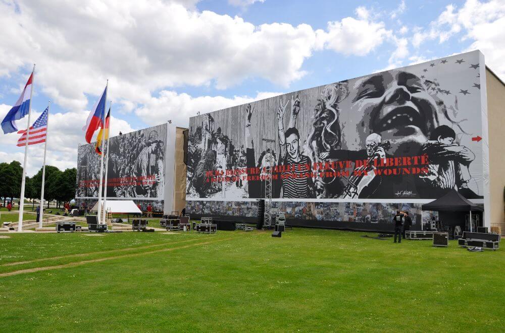 Entrée du mémorial de Caen, le musée pour la liberté